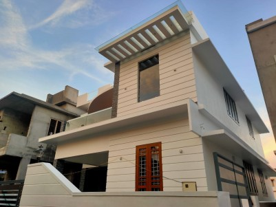 3 BHK 1900 sqft House in 4 Cents for sale at Thuthiyoor, Ernakulam