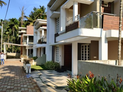 4 BHK, 2300 Sqft 3 Villas in 4.3 Cents for sale at Cheranelloor , Ernakulam
