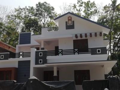 2050 sqft 4 BHK House in 4.750 Cents for sale at Pallikkara parakod, Ernakulam.