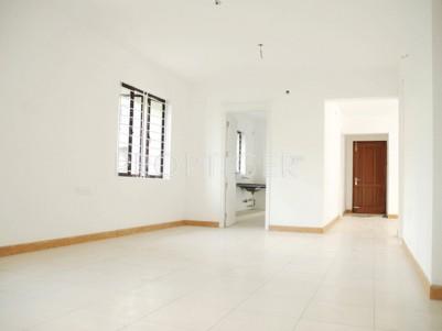 Semi-furnished 3 BHK 1408 sqft Flat for sale at Vyttila, Ernakulam