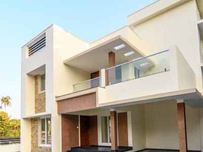 Semifurnished 4 BHK Gated Villa in 5 Cents Near Lakshore hospital, Madavana, Ernakulam