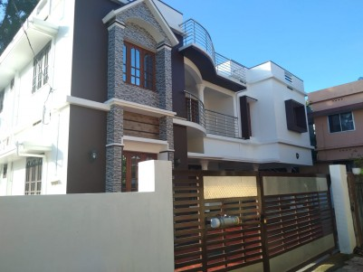 6 BHK 3280 SqFt House on 8 Cents for sale at Edappally, Ernakulam