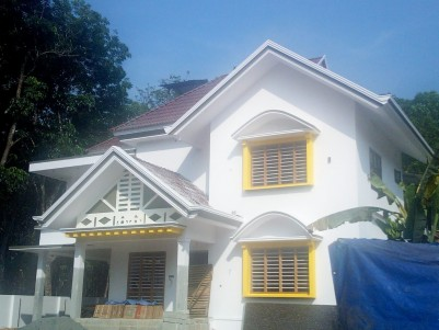 4 BHK 2500 sqft House in 10 Cent for sale Shutturkavala, Eattumanoor, Kottayam