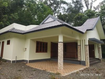 14.5 Cents with 2000 sqft 4 BHK House for sale near Bharananganam, Pala, Kottayam