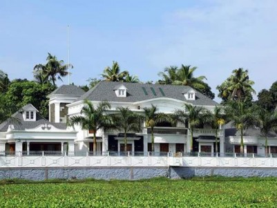 105 Cents with 9000 sqft 7 BHK House for sale at Perumbavoor Pulluvazhy Ernakulam