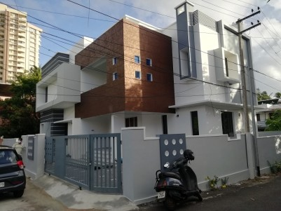 4 BHK 2900 sqft House in 6.5 Cents for sale at Palarivattom, Ernakulam