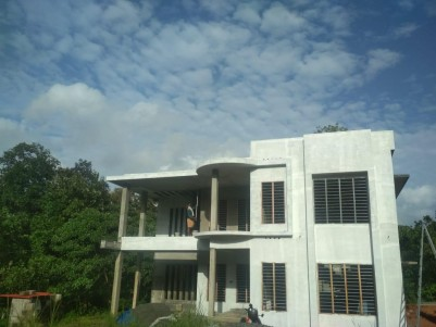 For Sale 2850 Sqft House in 7.15 Cents at Puthencruz, Ernakulam
