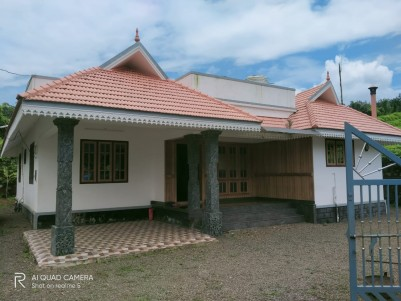 Beautifully Constructed house at Changanacherry for sale(2 yr old only)