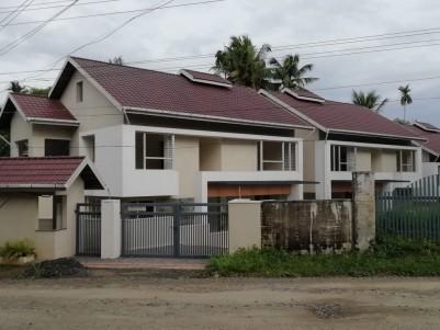 2400 sqft 4 BHK Villa for sale at Pukkattupady, Kochi