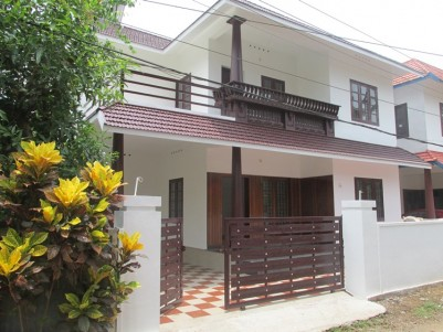 New Posh Villa for sale at Kadungalloor, Aluva, Ernakulam